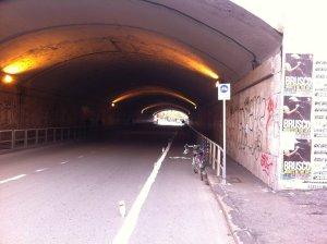 01-ciclabile-fai-da-te-sotto-tunnel-s-bibiana-a-roma