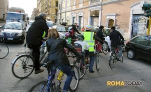 Bike in the Tunnel, ogni settimana tra san Lorenzo e l'Esquilino famiglie in marcia per una viabilità migliore per tutti-8