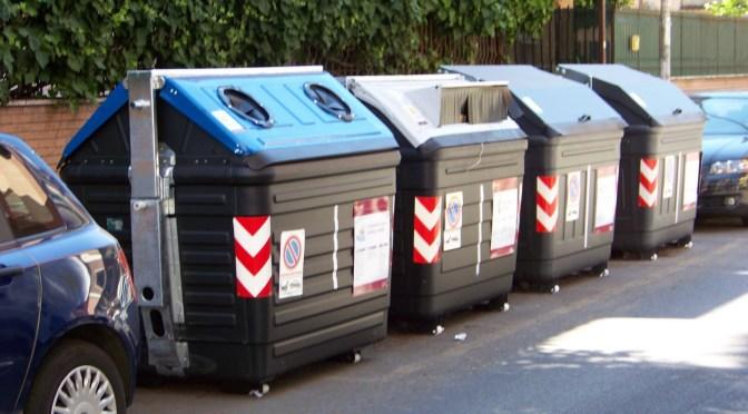 30/05/2016 Non gettate i rifiuti nei cassonetti ma teneteveli in casa !
