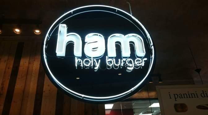Ham Holy Burger alla Terrazza di Stazione Termini.