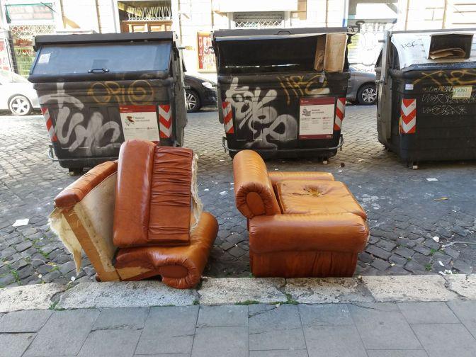 23 aprile 2017 raccolta gratuita dei rifiuti ingombranti a Piazza Vittorio