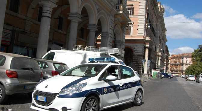 11 agosto 2017 La Polizia Locale sequestra mille borse contraffatte