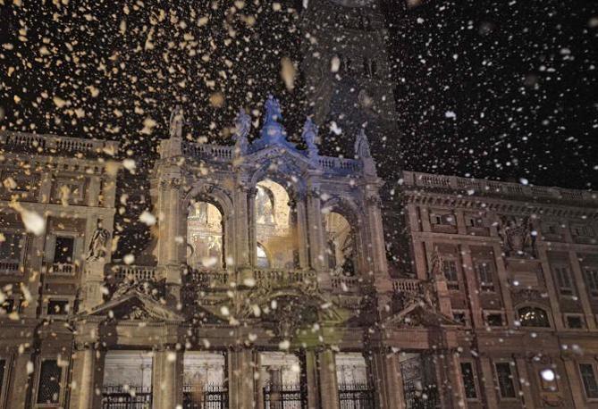 La disciplina del traffico e le deviazioni dei mezzi pubblici per la rievocazione del miracolo della neve a S. Maria Maggiore