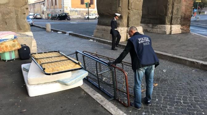 """30 ottobre 2017 """"La Polizia Locale bonifica la Stazione Termini"""""""