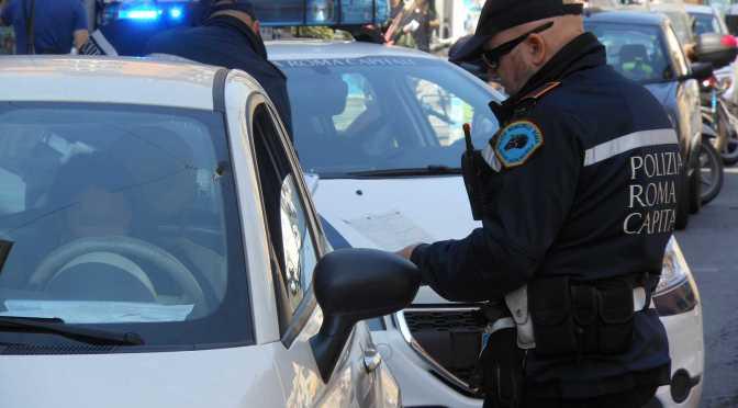 16 marzo 2018 Parco di Colle Oppio, pattuglia della Polizia Locale arresta pusher
