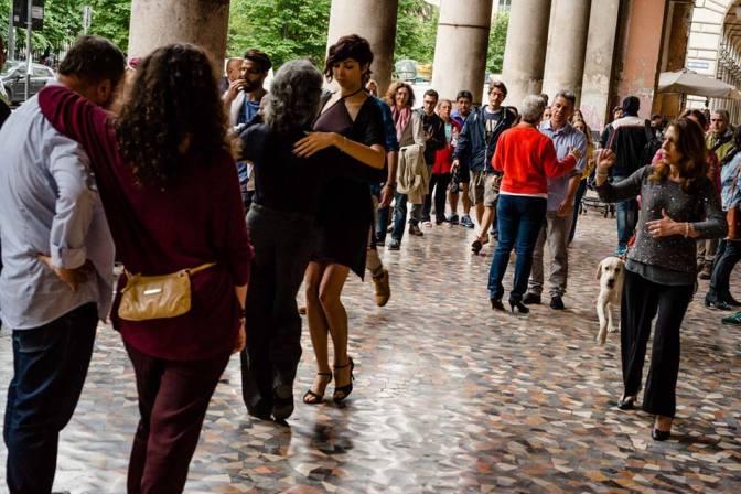 16 giugno 2018 dalle 18,30 Tango e MIlonga dalle 21,00 Samba al Gatsby Cafè