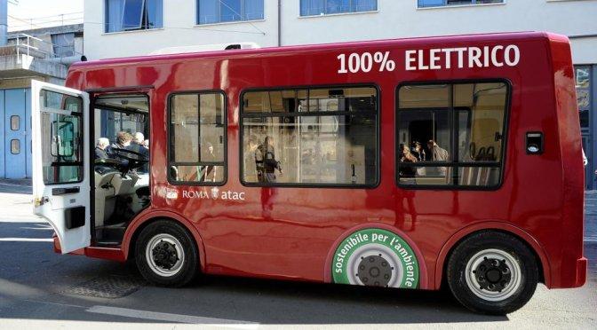 Sono tornati i mini bus elettrici: ma guai a farli passare per l'Esquilino!