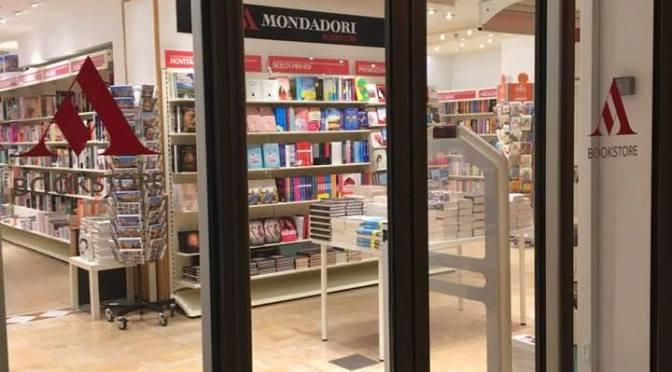 """30 marzo 2019 """"Le Grandi Pittrici nei secoli d'oro dell'arte"""" presentazione del libro presso Mondadori Bookstore"""