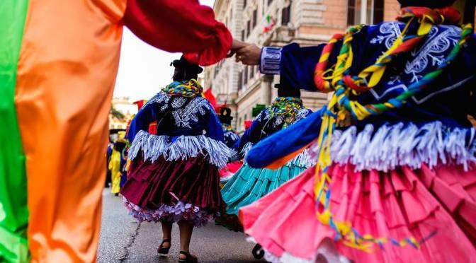 """3 marzo 2019 """"Tutti i colori del Carnevale"""" sfilata multietnica per le strade del Rione Esquilino"""