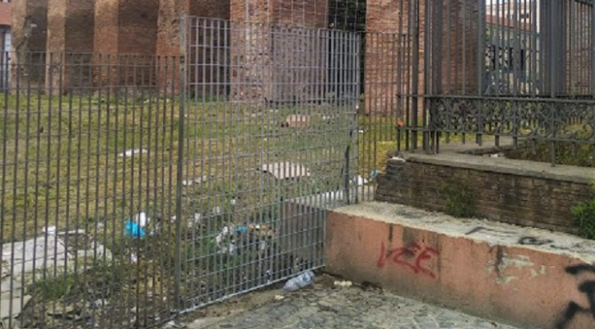 Un'altra area archeologica dell'Esquilino (l'acquedotto Anio Vetus) in uno stato di abbandono vergognoso