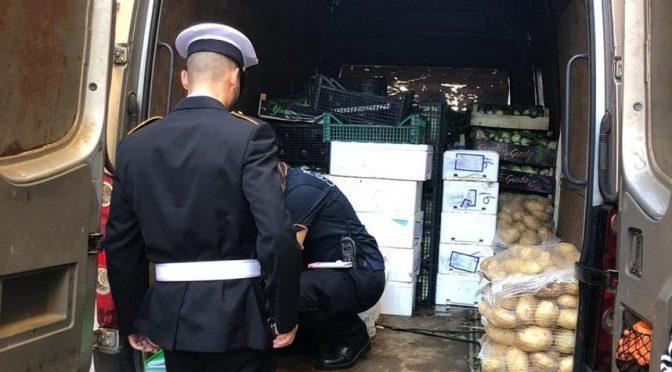 5 giugno 2019 – Oltre 100 kg di alimenti sequestrati dalla Polizia Locale: erano mal conservati e ammassati in pessime condizioni igieniche