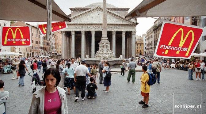 Firenze si è opposta al McDonald's in centro A Roma, al Pantheon, tutto può diventare fast food?