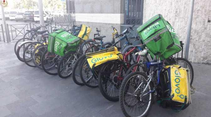 Stazione Termini: proseguono le operazioni di ripristino del decoro. Rimosse bici e contenitori per le consegne a domicilio