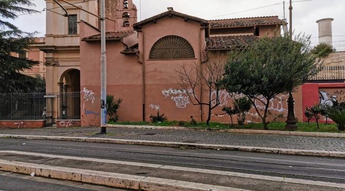 Marzo 2020: di nuovo completamente imbrattato il muro esterno della chiesa di Santa Bibiana