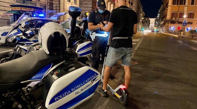 Monopattini, blitz della Polizia Locale per le vie del centro. Oltre 400 controlli e 113 sanzioni
