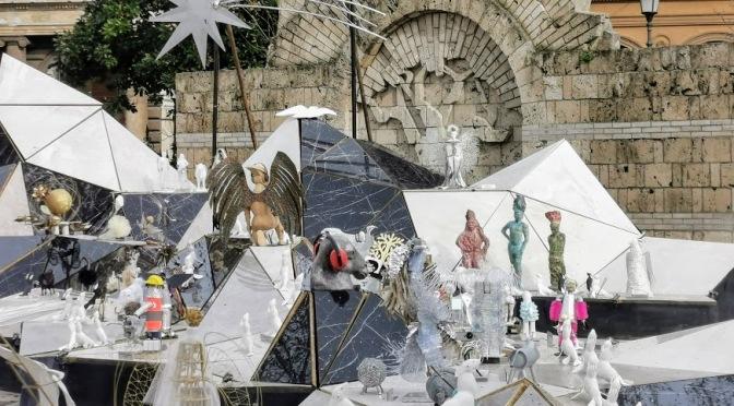 """""""Be-Jesus"""" l'inaugurazione del presepe avveniristico a Piazza Vittorio in un servizio di TG3 Lazio"""