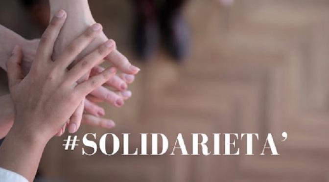"""8 febbraio 2021 iniziativa di solidarietà """"Portalaspesa"""" a via Cattaneo"""